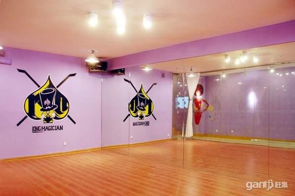 学校教室-少儿街舞培训